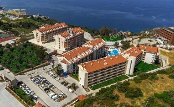 Luxury Furnished One Bed Unit in Beachfront Project Kusadasi