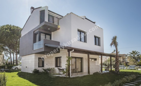 Brand New 4 Bed Villas very Close to the Beach