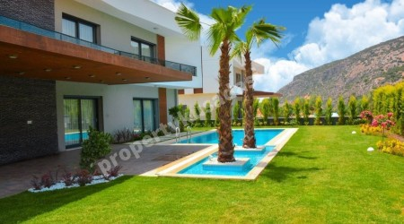 Detached Villa with Private Pool for Sale in Kusadasi