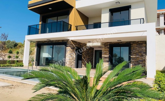 Detached Villas with Private Pool Private Garden and Sea Views