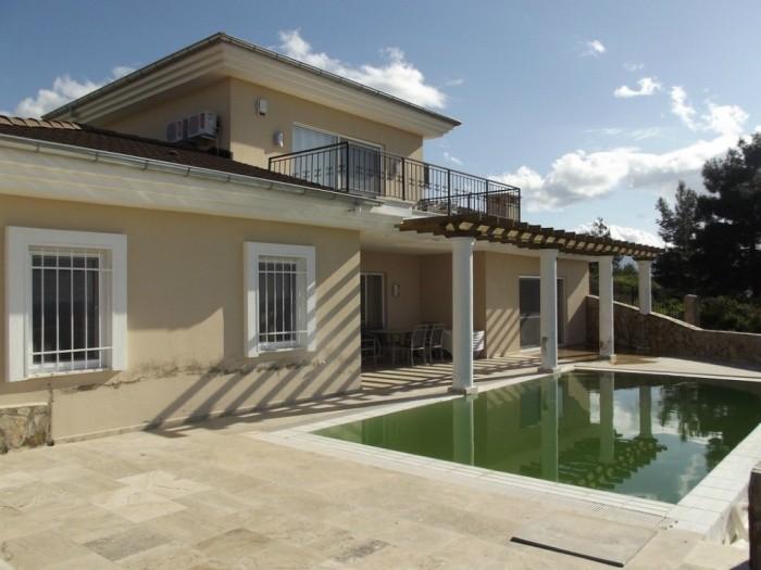 Kuşadası'nda Satılık Müstakil Villa
