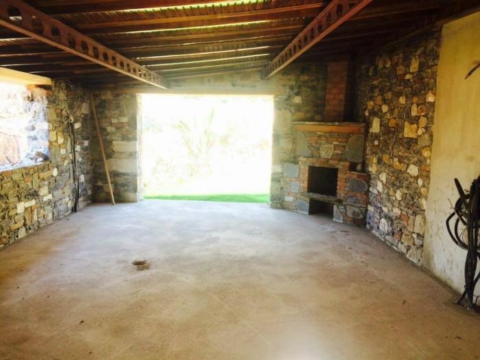 9 спальная каменная вилла в 4680 м2 частной земли в Сельчук