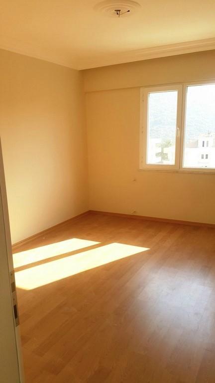 Bargain 3 Bedroomed Apartment İn Kusadasi Town Center