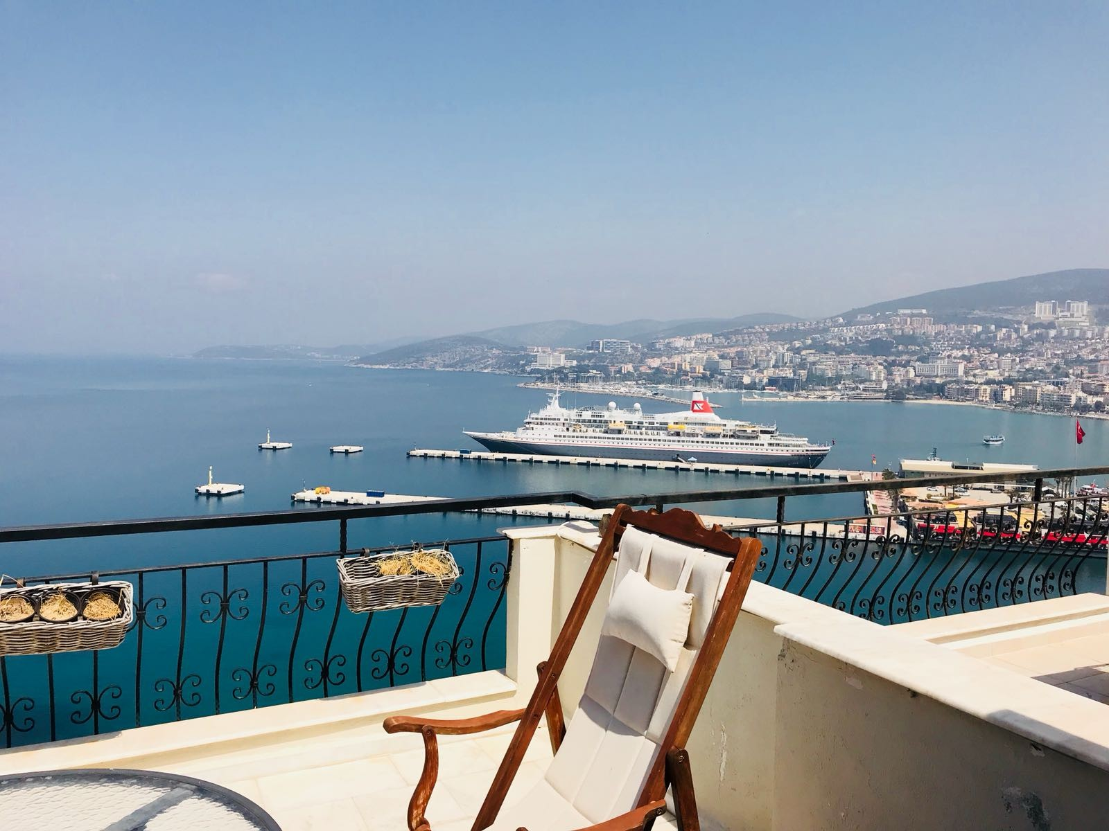 Perfect Sea Harbour Castle Viewed Apartment for Sale in Kusadasi